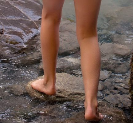 Barefoot Human Person Feet Legs Water Stones Bach 842616 5bb8fa82